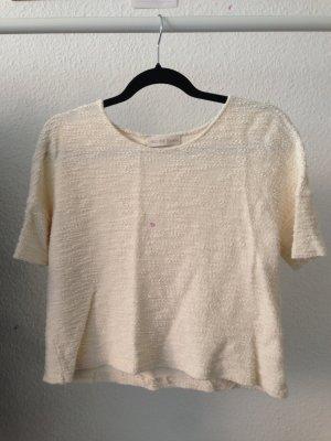 süßes T-Shirt aus Strick
