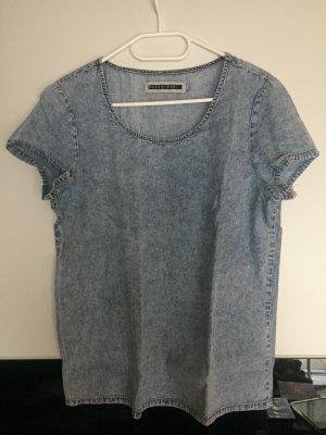 Süßes T-Shirt im Jeanslook