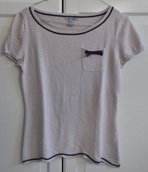 Süßes T-shirt im kurvigen Schnitt
