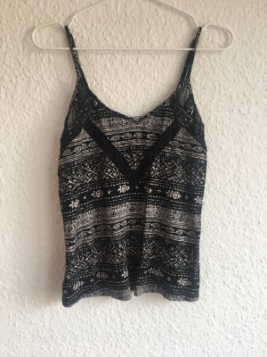 Urban Outfitters Top cut out blanco-negro