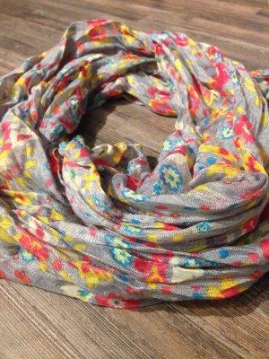 Süßes Tuch/leichter Schal mit Blumenmuster