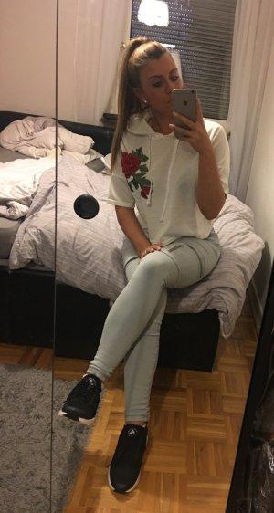 süßes weißes Blumen Kapuzen Pulli Shirt mit Rosen Stickerei