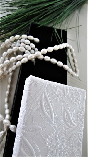 Pearl Necklace white-natural white