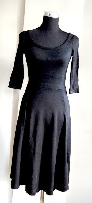 Super bequemes Jerseykleid mit Dreiviertelärmel und schönem Ausschnitt