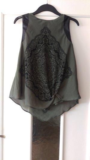 Super Bluse, mehrlagig, asymethrisch, Kunstledereinätze in der Schulterpartie