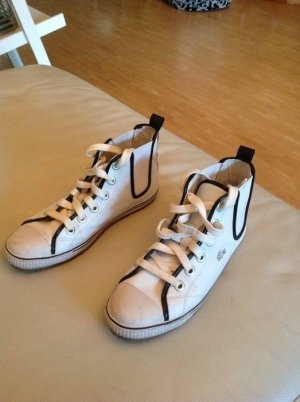 Super Chucks / Sneaker von Lacoste Gr. 40 in Lack