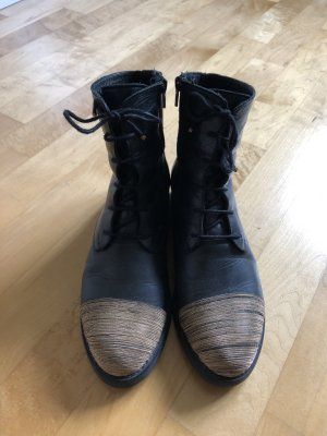 Super coole Boots
