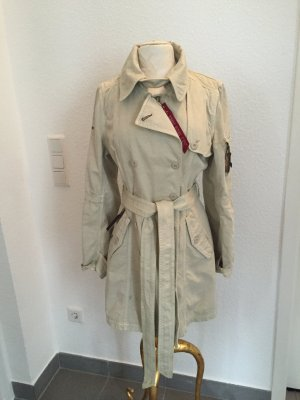 Super coole Trench von Alpha Industries