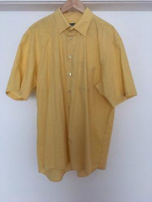 Camisa de manga corta amarillo