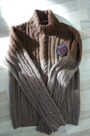 Super kuscheliger PRADA Pullover aus Alpaca-Wolle, inkl. einer PRADA Brosche mit Swarovski Kristallen !!