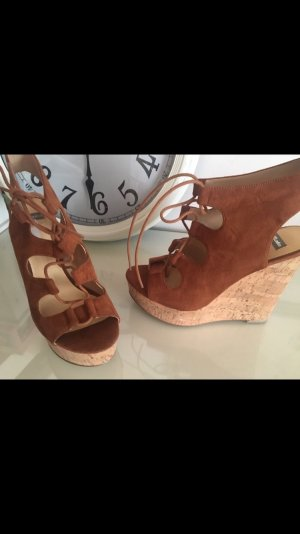 Super neue Keilabsatz Schuhe von Bata ❤
