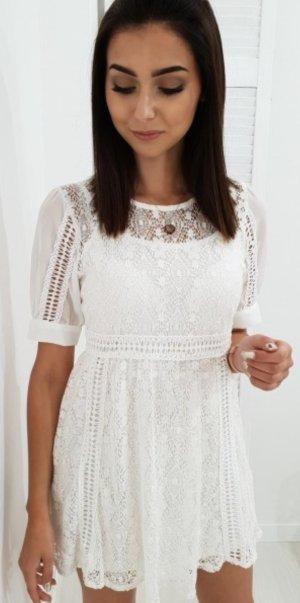Kanten jurk wit-wolwit