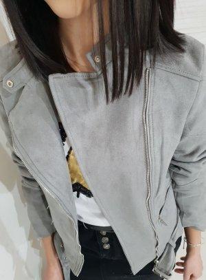 Chaqueta de cuero de imitación gris