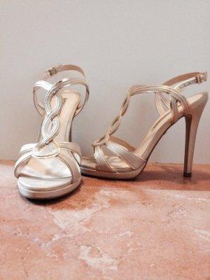 Super schicke goldene Sandaletten der Marke Buffalo