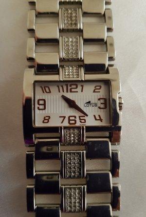 Lotus Horloge met metalen riempje zilver