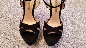 Super schicke schwarze Sandaletten der Marke Buffalo