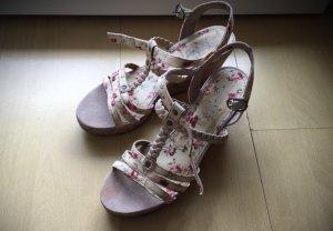 super schöne Esprit Keilabsatz Sandaletten mit Blümchenmuster
