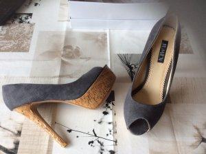Super schöner, nagelneuer High Heels, Stoff grau, Gr. 38, sehr hoch!