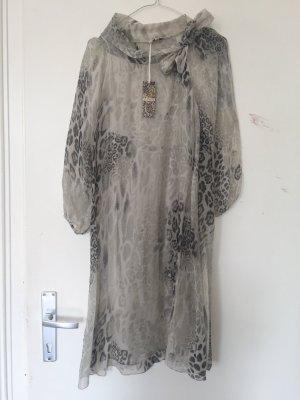 Super schönes nagelneues Tierprint Kleid