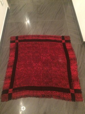 Super schönes Tuch/Schal von Guess. Neuwertiger Zustand