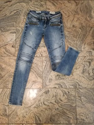 Super Skinny Jeans der Marke Rich & Royal