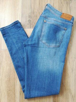 Super Skinny Super Low Waist Jeans in hellblau von H&M / Größe 31 (Breite)/ 31 (Länge)