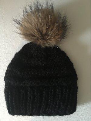 Super stylische Wollmütze mit Extra großem Echtpelzbommel