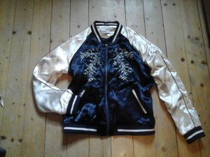 Super süsse Collagejacke Fliegerjacke Bomberjacke Only Gr. 40 Top