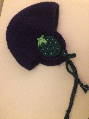 Super süße handgestrickte Mütze mit Kordeln