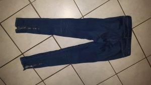 super süße neue Skinny Jeans mit Reisverschluss an den Waden
