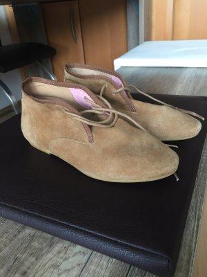 Low Shoes camel