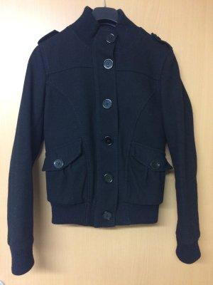 Super tolle Jacke, in schwarz