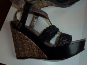 Wedge Sandals black-gold-colored