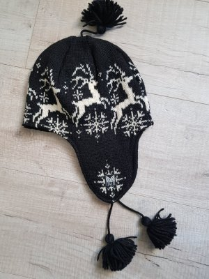 Dale of Norway Crochet Cap white-black