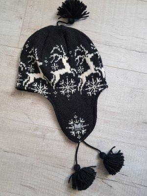 Dale of Norway Crochet Cap white-black