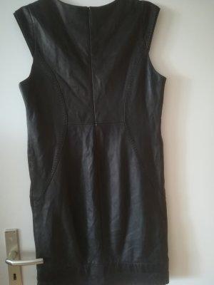 Super weiches Nappa - Lederkleid mit Steppnaehten und Seitentaschen