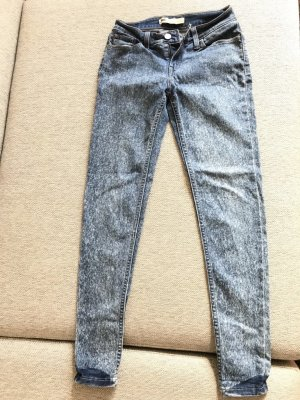 Superbequeme Skinny Levi's Jeans mit toller Bearbeitung