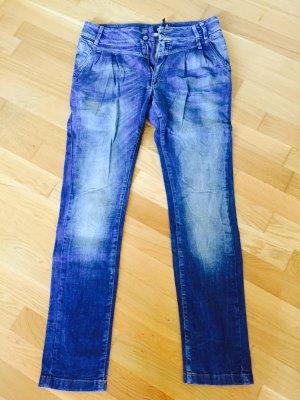 Supercoole Only Boyfriend Jeans, Größe 27/34