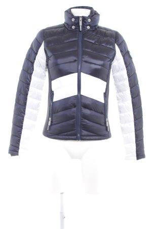 Superdry Softshelljacke dunkelblau-weiß Streifenmuster sportlicher Stil