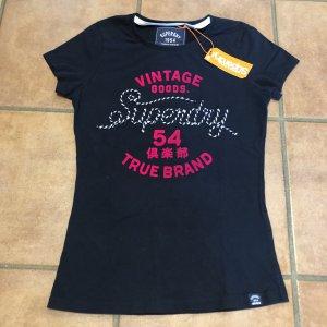Superdry T-Shirt mit besonderer Logoapplikation