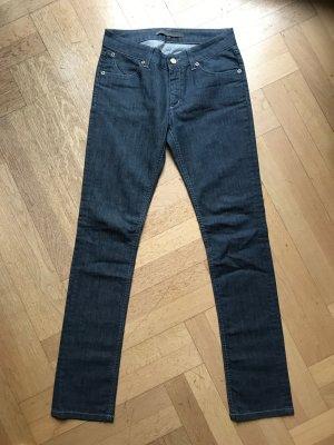 Superfine Designer Jeans edles Material, leichte Sommerhose, eng und sexy