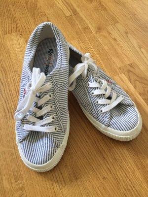 Superga Schuhe gestreift