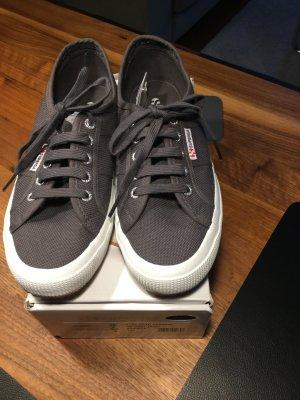 Superga  Sneaker grau Größe 38 nagelneu ungetragen