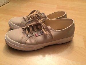 Superga Sneaker in beige satin