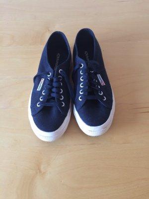 Superga Sneaker in dunkelblau