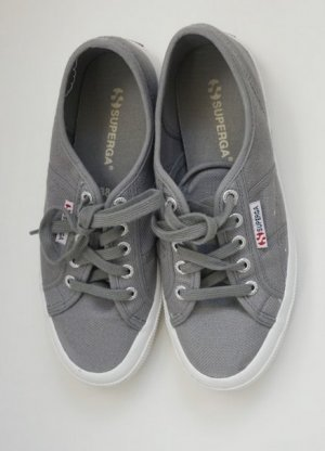 Superga Sneaker Schuhe grau weiß 38 wie neu