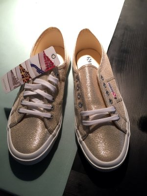 Superga Sneakers in Gold-Metallic - neu