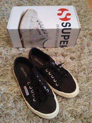 Superga Sneakers in Schwarz (Modell Cotu Classic)