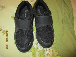 Sneaker con strappi nero