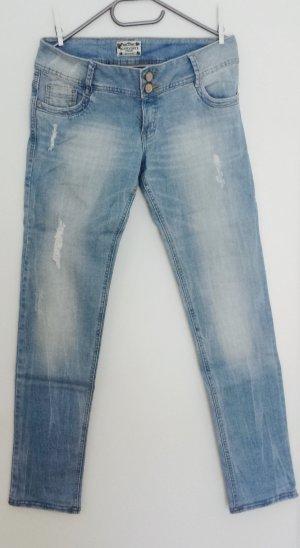 Superschöne Jeanshose mit rosa gepunkteten Innenfutter und leichten Washeffekt *Stretch* Gr. 31